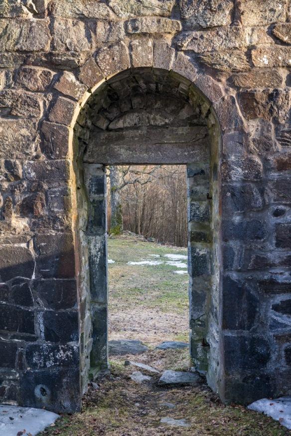 Hovedportalen sett fra innsiden